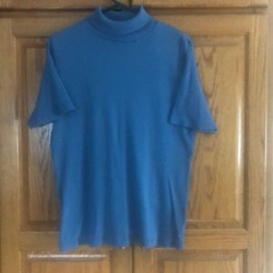 Light blue short sleeve turtleneck